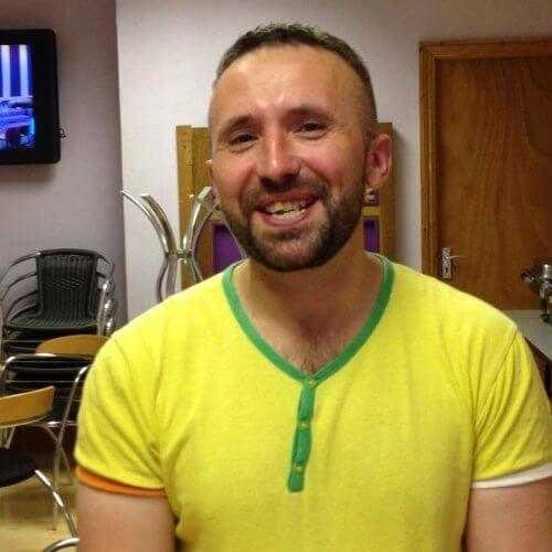 Simon Freelove yellow tee